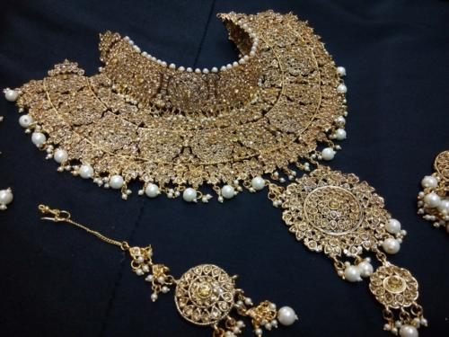 by farhat-bridal sets (33)